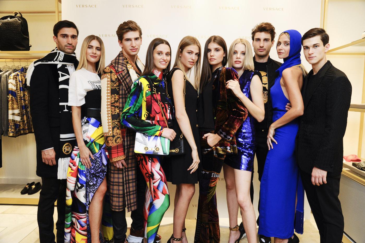 Gruppenfoto Versace Kollektion